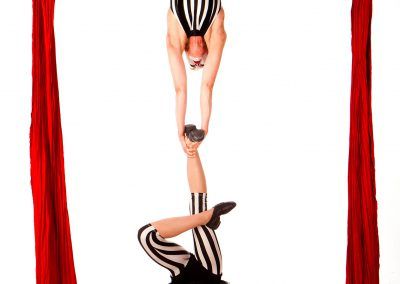 Australian Circus Artists Duo Silks Tissu